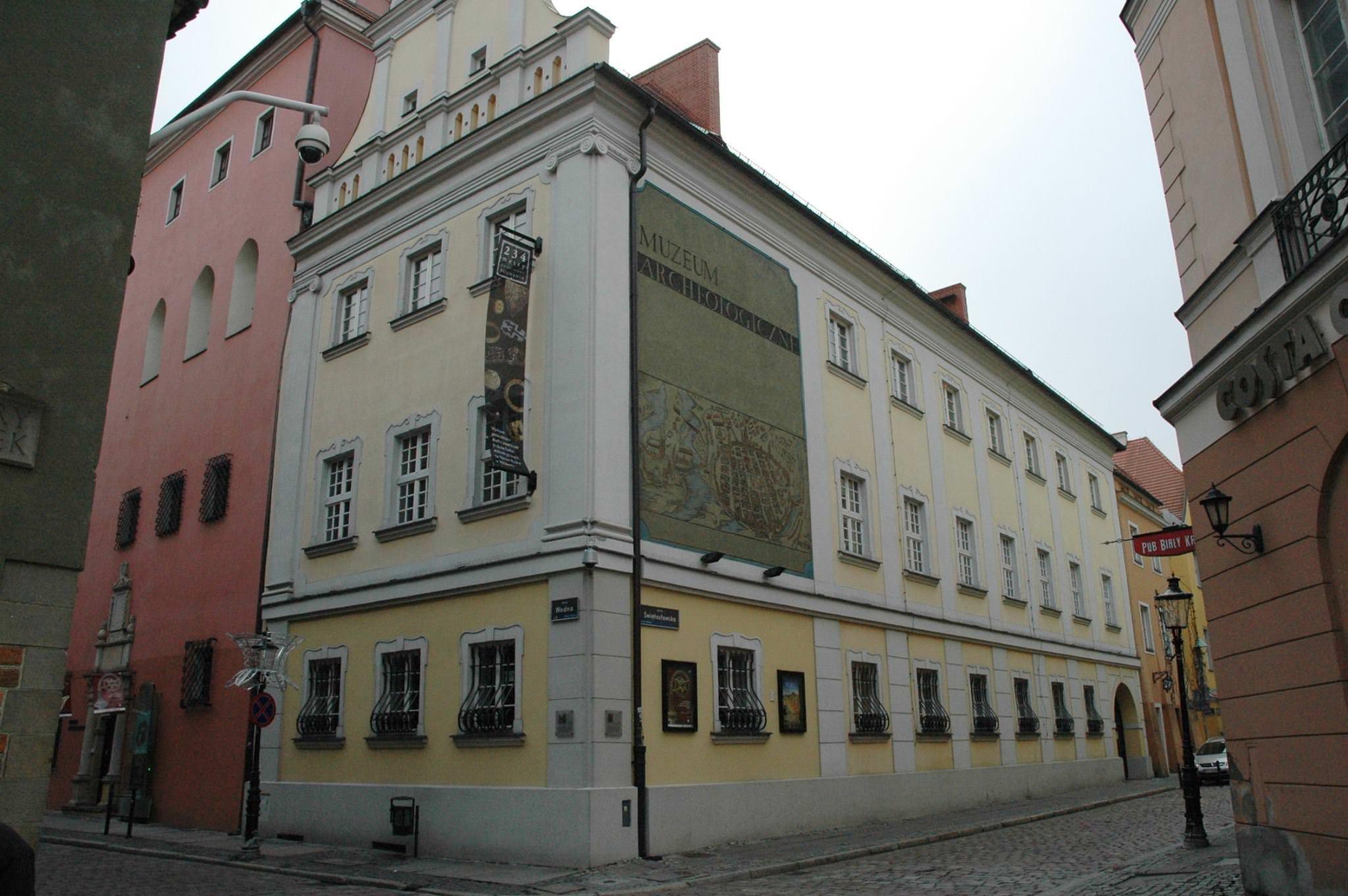 Budynek muzeum widok od Starego Rynku